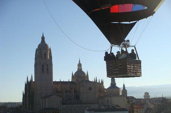 Hot Air Balloon Ride över Segovia med ...