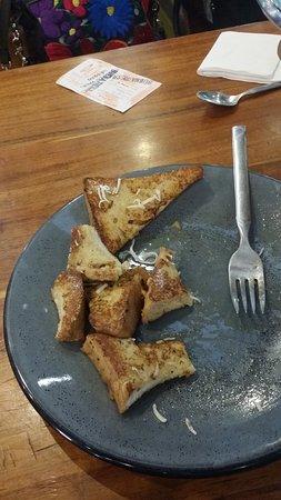 La Buena Tierra Condesa: trate de comerlos la segunda vez que me los trajo el Chef hechos por el y realmente estaba incom