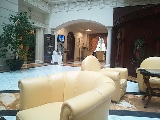 Grand Hotel Vanvitelli  Bellissima location cc1881ef8bf