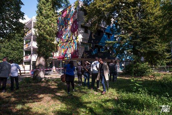 Pressigny les Pins, Francja: LaBel Valette - Visites guidées Street art - Urban Art Paris - Crédit photo : Tiski