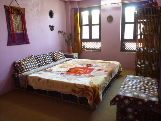Changunarayan, Nepal: B3 is quiet and budget priced. this room doesn't have a great view and the bathroom is just outs