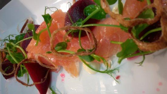 Cawood, UK: Scottish Smoked Salmon, pickled beetroot, horseradish mayo, crisppy shallots