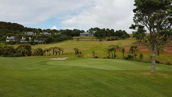 Matauri Bay, Nueva Zelanda: Golf and the lodge