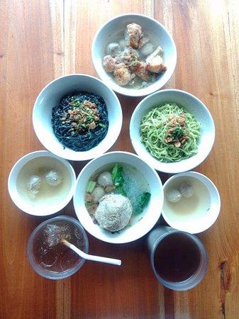 Bakso Boedjangan: Our noodle