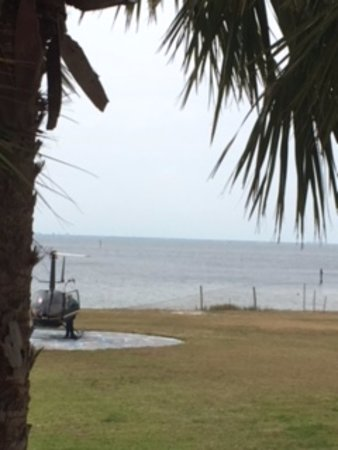 Ruskin, FL: Unexpected arrival of helicopter!