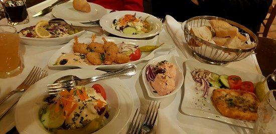 Costas Greek Taverna: IMG-ef118c4241c37b67aab90566419b1bf2-V_large.jpg