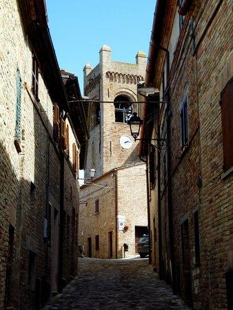 Colbordolo, Italien: Le vie del centro