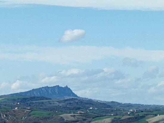 Colbordolo, Italien: S.Marino in lontananza