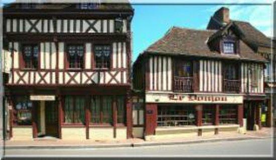 Conches-en-Ouche, Frankrike: Le Donjon