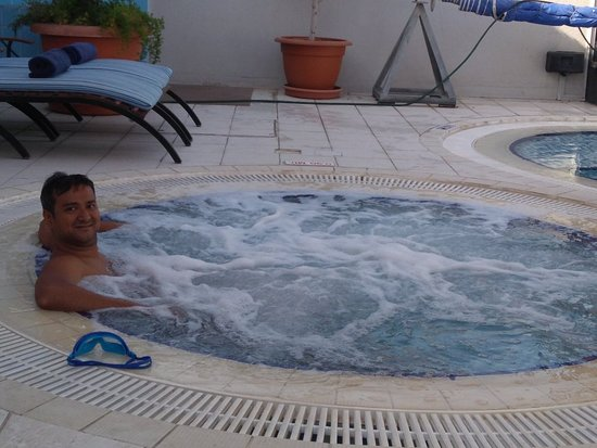 Savoy Suites Hotel Apartments: IMG_20180331_083716972_large.jpg