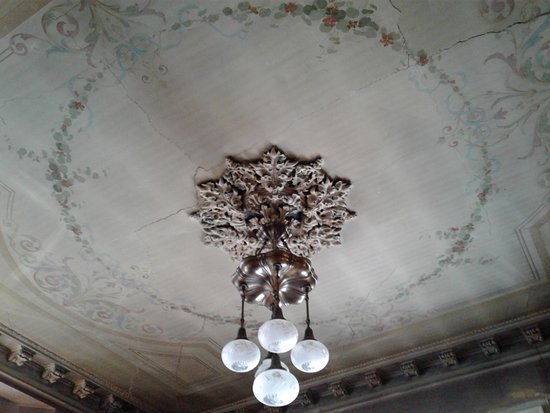 Wrentham, MA: Parlor chandelier & hand painted ceiling