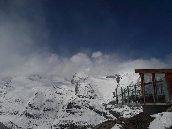 Saas-Almagell, سويسرا: 20180404_113449_large.jpg
