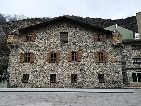 Casa de la Vall : casa