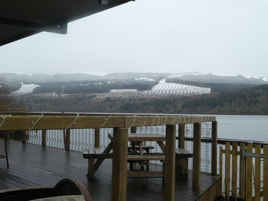 Venachar Lochside: deck area with snow capped hills
