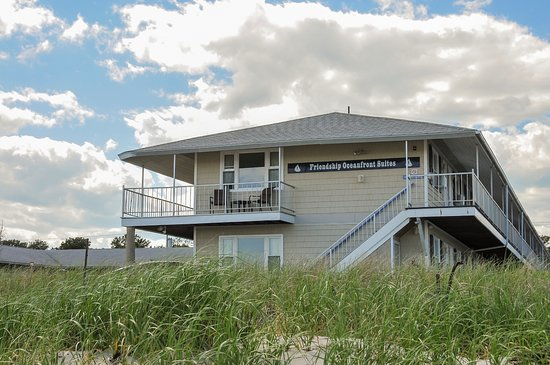Entrance - Picture of Friendship Oceanfront Suites, Old Orchard Beach - Tripadvisor