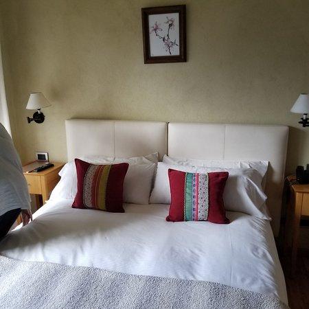 Lirolay Suites Photo
