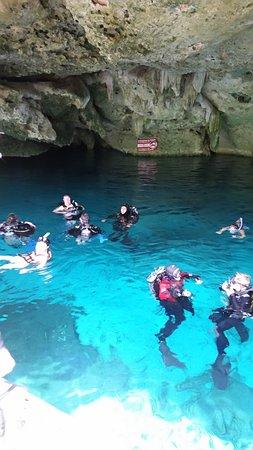 Divers UnderGround: Cenote Dos Ojos