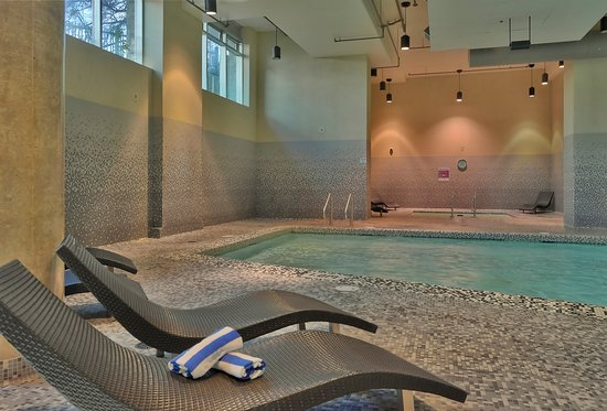 The Parkside Hotel & Spa: Pool and Hot Tub areas