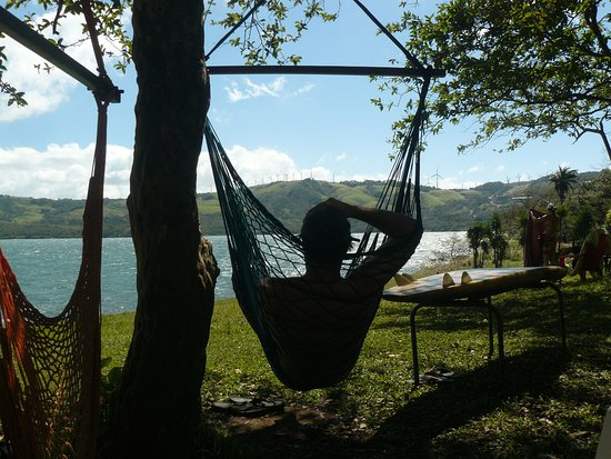 Tilaran, Costa Rica: Relaxing at Tico Wind's sailing site looking at the windmills