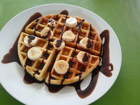 Rama, Νικαράγουα: Waffle with banana and chocolate syrup
