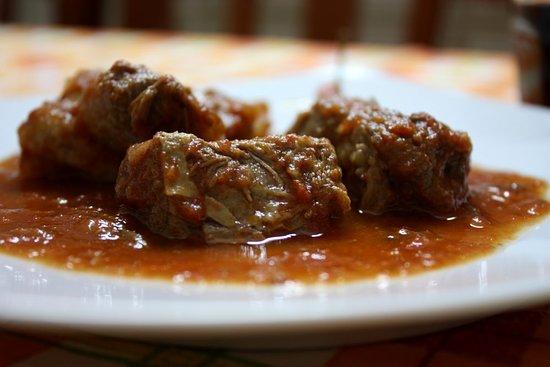 San Pancrazio Salentino, Italie : Carne alla pignata tipica salentina