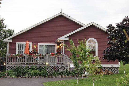 Avonlea Cottages Image