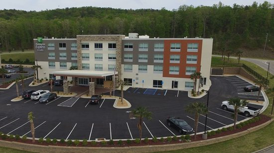 The Holiday Inn Express Alabaster