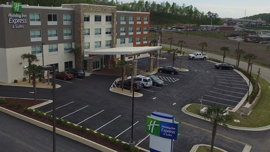 Aerial View of The Holiday Inn Express Alabaster