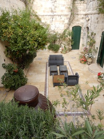 Mount Zion Hotel: petite cour interieure
