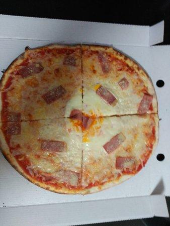 Fuentes de Ebro, España:  Pizza trasteverina