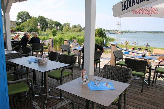 Benz, Almanya: Terrasse mit Seeblick