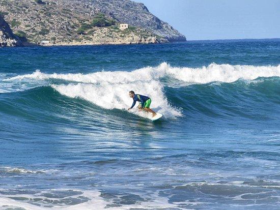 شاينا تاون, اليونان: Surf safari