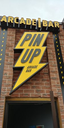 Waterloo, Kanada: outside of the pin up bar