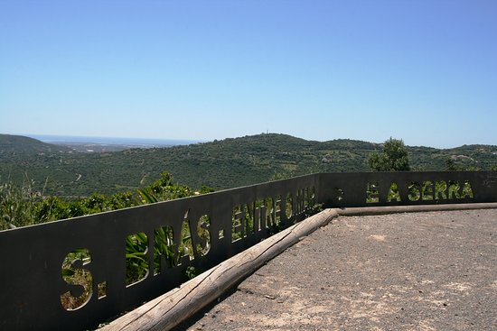 Sao Bras de Alportel, Portugália: Miradouro do Alto da Arroteia, São Brás de Alportel