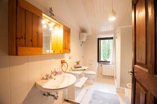 Civitella d'Agliano, Italie : bagno triple