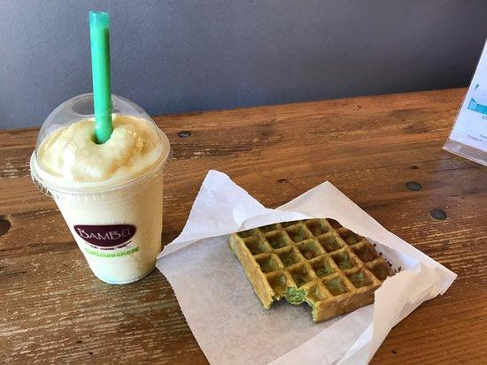 San Mateo, CA: Pandan waffle and mango smoothie