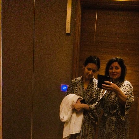 Hotel Fort Canning: Those kimonos we often asked them to bring us back)