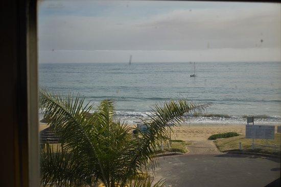 Santos Express: Vista do apartamento para a praia
