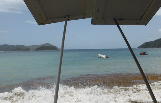 Speyside, Tobago: Lovely luchtime view