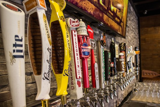 Hartford, WI: Enjoy over 70 beers, with 15 on tap and wide variety of local bottled beers.