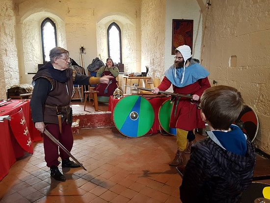 Caldicot Castle: How to battle with a PoleAxe