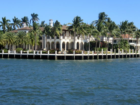 Intracoastal Waterway : a home along the ICW