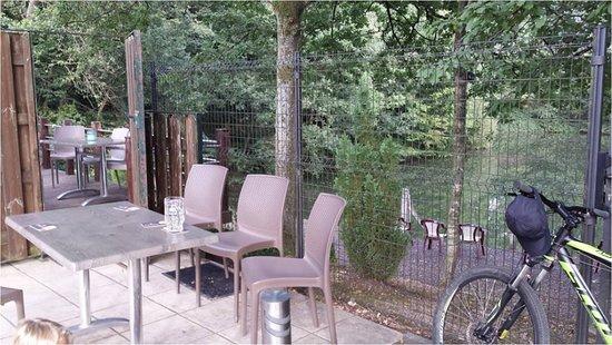 Lobbes, بلجيكا: accès à la terrasse extérieure
