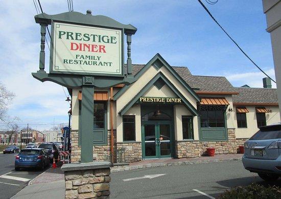 New Providence, Нью-Джерси: Prestige Diner