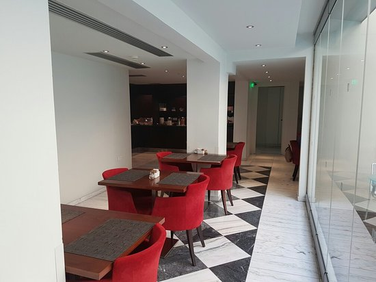 Acropolis Hill Hotel: 20171105_080140_large.jpg