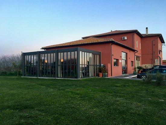 Pescia Romana, إيطاليا: locale esterno