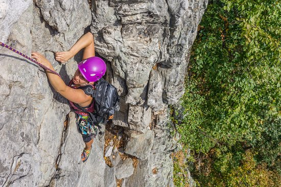 Seneca Rocks, WV: Multi-Pitch climbing on our Seneca First Ascent Course
