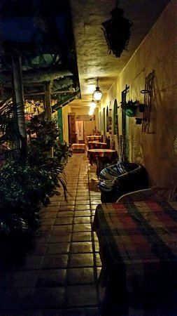Cabo Inn Hotel: Second Floor Hallway - Evening View