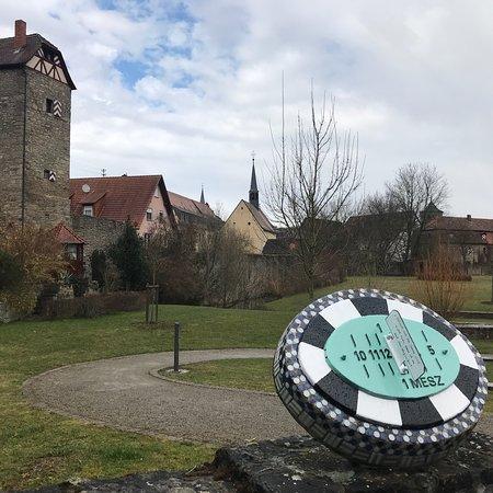 Roettingen, Niemcy: Sonnenuhrenweg