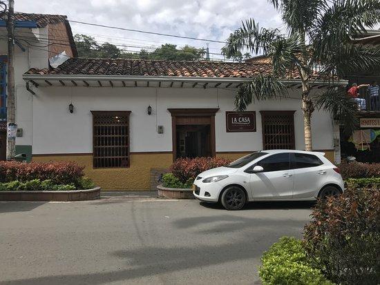 Ciudad Bolivar, โคลอมเบีย: fachada